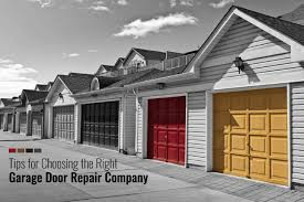 5 helpful tips when hiring a garage door repair company