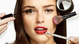 urutan memakai make up yang benar untuk
