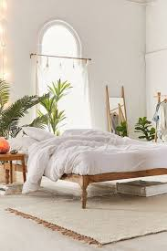 Size Queen - Bed Frames + Headboards | Urban Outfitters
