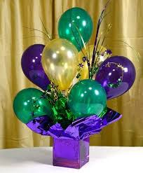 23 air filled balloon centerpieces