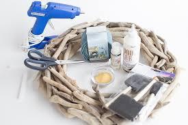 DIY-driftwood-beachy-wreath-consumer-crafts-unleashed-5