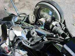 vespa p series maintenance & repair vespa px disc wiring diagram Vespa Px Disc Wiring Diagram here is a shot of the handlebars of the p200 the two pulleys hold the throttle and gear cables the headlight is fully accessible from here