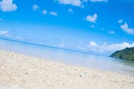青く透き通った沖縄の海無料の写真素材はフリー素材のぱくたそ