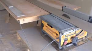 portable table saw table. folding out feed table for a portable saw