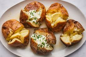 How to Bake a Potato the Fast and Easy Way