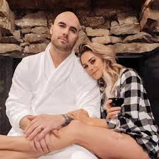 Mike caussin filed for divorce. A Complete History Of Jana Kramer And Mike Caussin S Rollercoaster Relationship Leading Up To Divorce