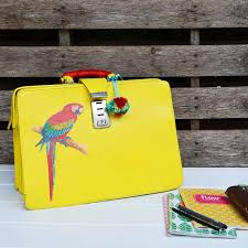 how to make an upcycled leather bag with paint and print