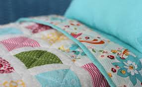 Doll Bed with Bedding & Patchwork Quilt - Blog - homeandawaywithlisa &  Adamdwight.com