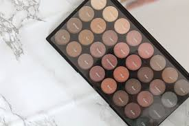 the flawless matte eyeshadow palette by makeup revolution 8 has been everything i m looking for it