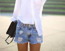 Light Shorts Outfit Summer Outfit Idea How To Style Jean Shorts Glamour