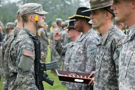 Us Army Cavalry Cavalry Scouts Receive Cross Saber At End Of Course