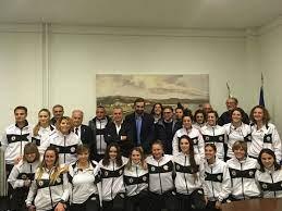 Tutto il resto del calcio femminile serie b, campionati regionali, primavera, giovanissimi ed esordienti! Spezia Calcio Femminile Stavolta La Presentazione E In Comune Foto