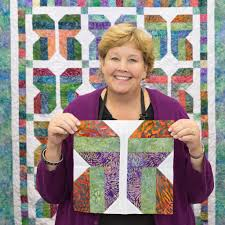 New Friday Tutorial: Easy Strip Butterflies Quilt & Learn to make this easy butterfly quilt with Jenny of Missouri Star Quilt Co . Adamdwight.com