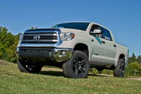 lifted toyota tundra. Unique Lifted 35 And Lifted Toyota Tundra 7