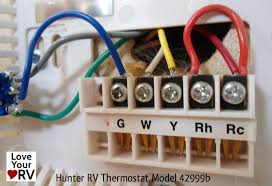 hunter 42999b digital rv thermostat upgrading the oem thermostat ruud thermostat wiring color code at Rv Thermostat Wiring Color Code