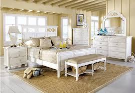 Seaside White 5 Pc King Panel Bedroom (Lattice Dresser) - Traditional