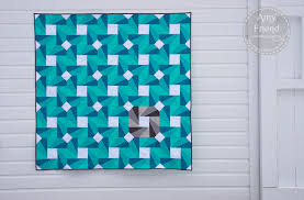 Bold Quilt Designs: Make a Statement & Green, Blue and White Quilt with Spinning Wheel Design Adamdwight.com