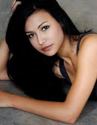 Born to parents George and Yolanda Rivera, Naya is of mixed race–particularly half Puerto Rican, quarter German, and quarter African-American. - Naya-Rivera-CelebHealthy_com