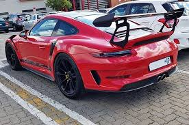 Hot wheels compatible porsche 911 gt3 rs red hw exotics series 1:64 scale collectible die cast model car. Weissach Package Equipped Guards Red 991 2 Gt3 Rs On The Satin Black Gt3 Wheels Makes For A Superb Spec Spotted By Nikeshan At Glen Vist Gt3 Rs Porsche Gt3