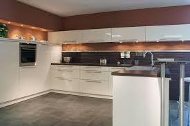 Weisse Küche