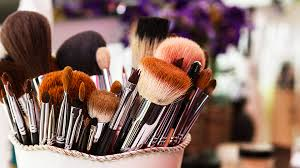 you need to see this reddit user s brilliant trick for drying makeup brushes