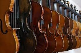 Pendapat lain adalah bahwa seni musik merupakan cabang dari seni yang menggunakan suara sebagai alat transmisinya, dimana suara diatur agar mempunyai ritme, nada, lagu dan harmoni. Unsur Seni Musik Pengertian Jenis Fungsi Terlengkap