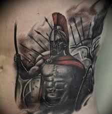 татуировка спартанца на боку парня фото рисунки эскизы