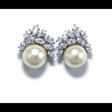 anneau pearl and crystal cer earrings