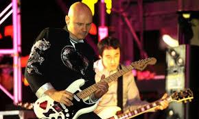 Gli Smashing Pumpkins vorrebbero scrivere un album di canzoni natalizie.  L'intervista a Billy Corgan