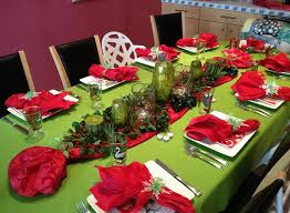 red christmas table decorations. Christmas Table Decorations Centerpiece. Image Credit : Http://marysherwoodlifestyles.com Red B