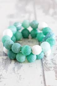 diy diffuser bracelet by stephanie stanesby for helloglow co