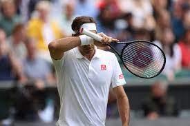 Roger Federer questions Wimbledon ...