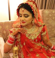 since she knows how important is it for you to look precise on your wedding so she can also advice you on style look makeup attire and colors that