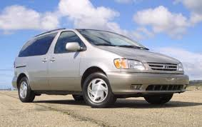 2002 Toyota Sienna - Information and photos - ZombieDrive