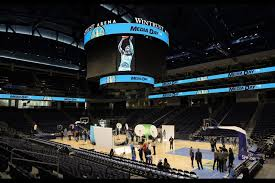 What To Know If Youre Going To Wintrust Arena For Sky Games