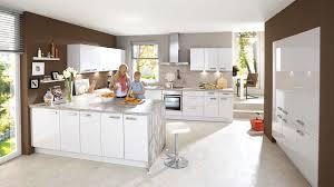 Küchen Mit Kochinsel Und Bar