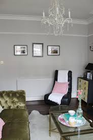 wonder if you should paint above the picture rail in your home take a look