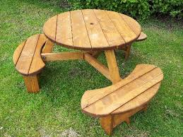 pendragon 6 seater round picnic table