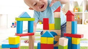 Kinh nghiệm chọn đồ chơi an toàn cho em bé sơ sinh