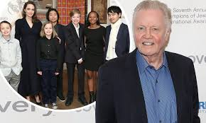 Jon Voight gushes about daughter ...
