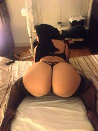 Sexy arab round ass