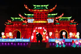 Lantern Light Festival Solano County Photo A Kiss Under The Lights The Reporter