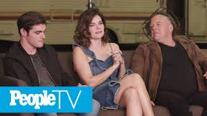 Breaking Bad' Star Betsy Brandt Reveals The One Scene She's Never Watched |  PeopleTV - YouTube