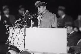 「フィリピンの戦い: マッカーサー将軍がコレヒドール島から退却。」の画像検索結果