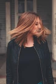 セルフカットロングの方法後ろ髪の簡単なすき方やレイヤーの切り方は