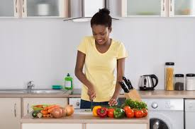 Quick Cooking Tips for College Students | explorehealthcareers.org