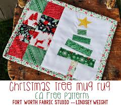 Fort Worth Fabric Studio: Christmas Tree Mug Rug {Free Pattern} & And that's it! These cute little things are so fun to whip up and would  make really cute gifts for friends, neighbors, or family! Adamdwight.com