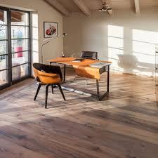 Lassen das haus komplett umgraben und die außenwände abdichten, wegen feuchteproblem in den wänden. Altholz Landhausdielen Parkettboden Parkett Aus Rosenheim Old Oak