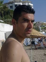 Ahmet Ünlü updated his profile picture: - Rs2UV-TAalU