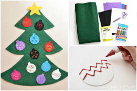 Kids are going to love creating this fun felt Christmas tree